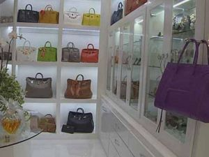 Entrepreneur Theresa Roemer says someone burglarized her glamorous 3,000 square foot closet inside her home in The Woodlands Friday night.