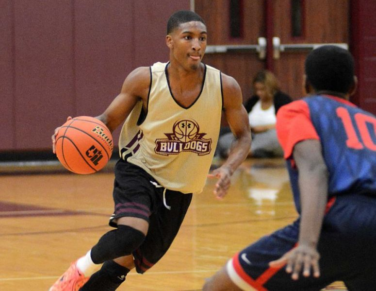 Summer Creek's Shae Raxx drives past a defender during a scrimmage last week.