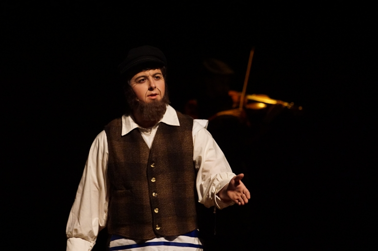 William Hahn as Tevye